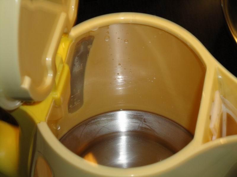 чем помыть почистить металлический чайник от ржавчины партии большевиков