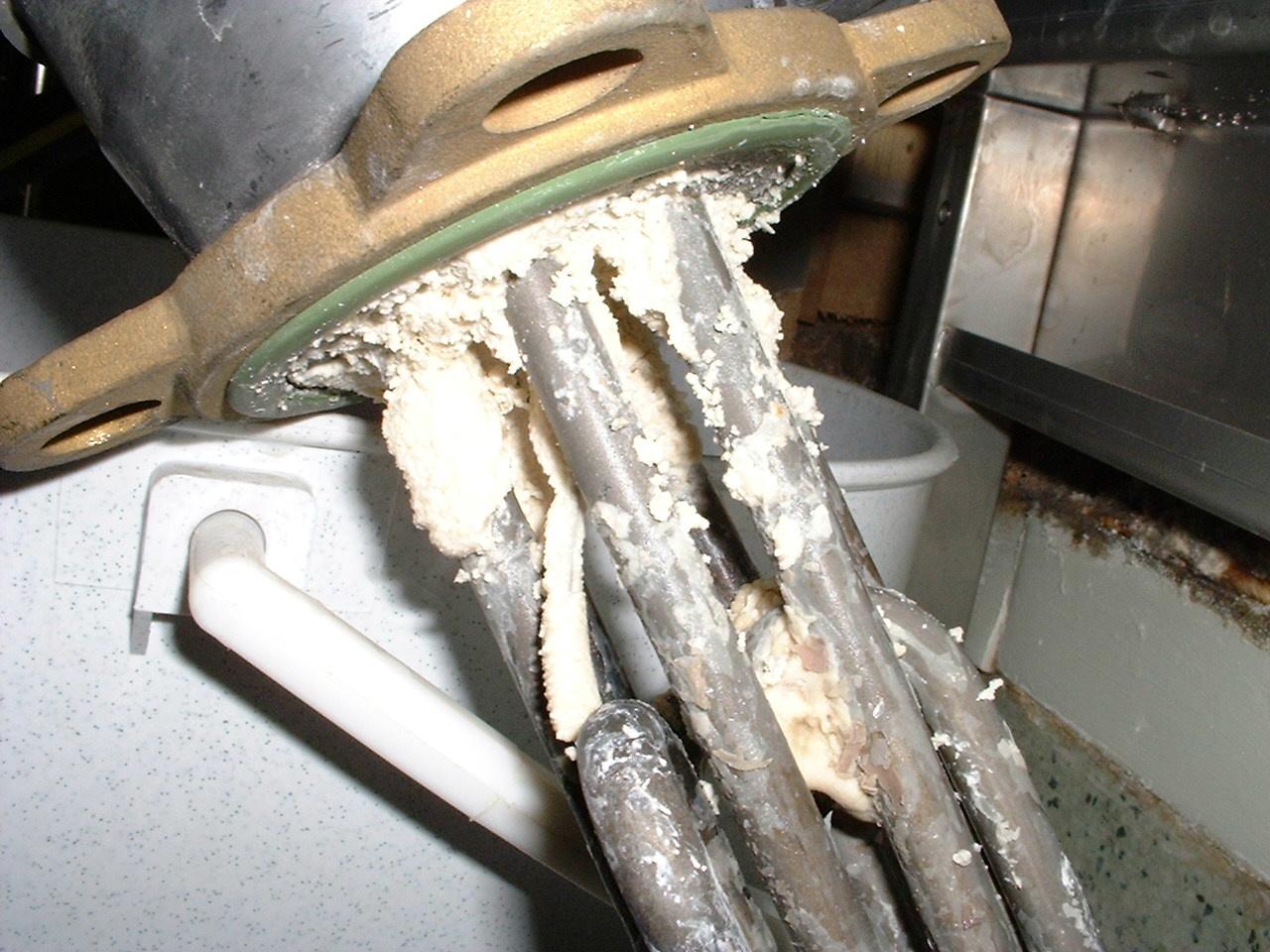 Как почистить бойлер(котёл) своими руками: фото